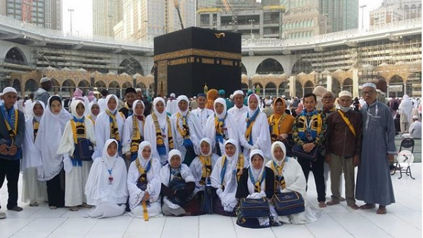 Priaventure Tour and Travel keberangkatan 3 Februari 2020 - (Ada 2 foto)